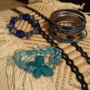 Jewelry - 🖐$3🖐 Blue constume Jewelry